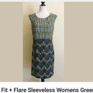 Fit slightly flare Dress cap sleeves